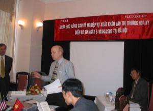 Chris Runckel at the Vietnam Chamber of Commerce workshop for vietnamese companies